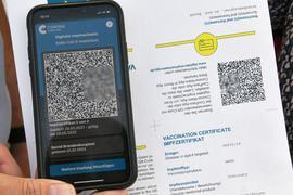 Der digitale Impfnachweis auf einemSmartphone.