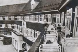 Viel Luft und Schonung: So wurden Kinder in der Klinik Scheidegg in der Nachkriegszeit von Tuberkulose geheilt.