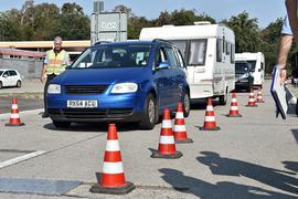 12.08.2020 Reportage präventive Großkontrolle der Verkehrspolizei Mannheim an der A6 bei Hockenheim. Neben Lastwagen und Kleintransportern geht es in den Sommerferien auch verstärkt um die Sicherheit im Reiseverkehr