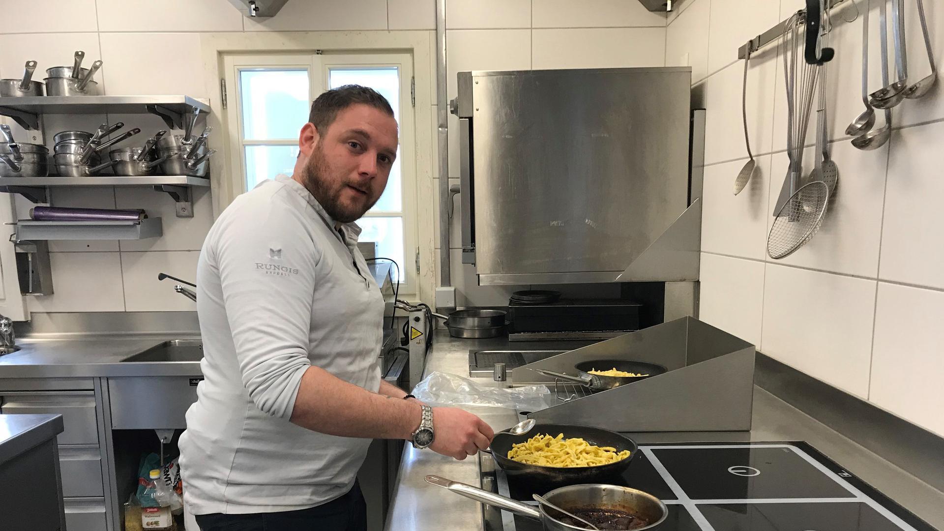 Anleihen bei der französischen Küche: Sein Boeuf Bourguignon serviert Kücherchef Marcel Göpper mit handgeschabten Spätzle und ganz viel Sosse.