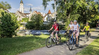 Aktiv im Urlaub: Radfahren hat in den vergangenen Jahren einen enormen Aufschwung erlebt.  Entsprechend breit gefächert ist das Radwegenetz.