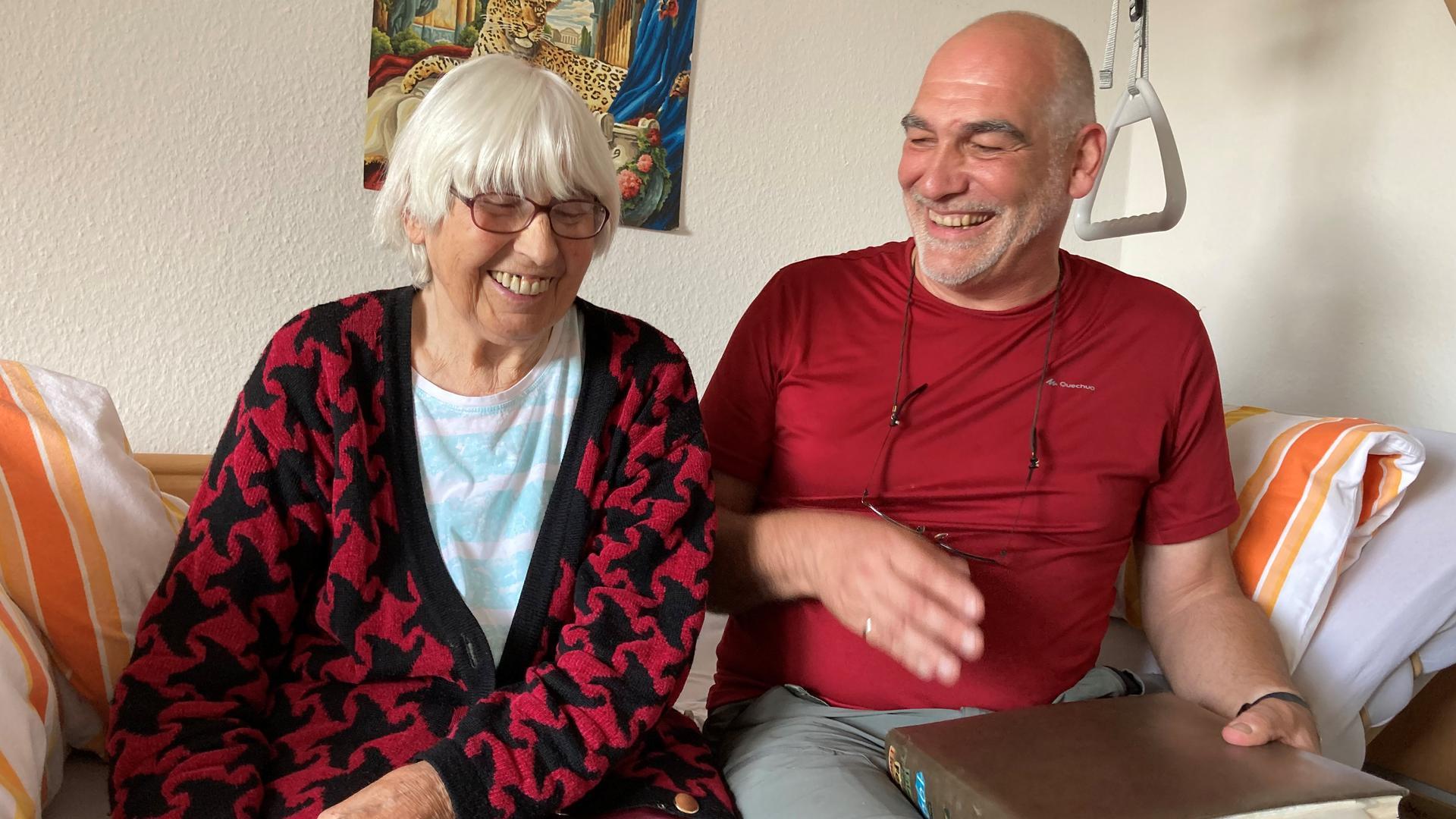 Ralf Rosema und seine Mutter Waltraud Buchholz