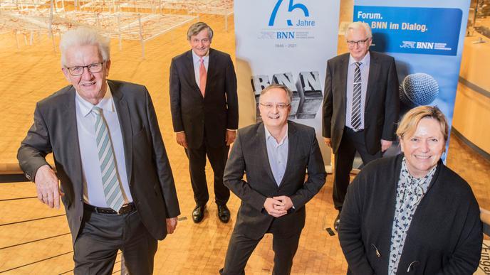 Spitzentreffen beim BNN-Wahlforum: Die Spitzenkandidaten der Parteien standen im ZKM Rede und Antwort. Winfried Kretschmann (v.l.), Hans-Ulrich Rülke, Andreas Stoch, Bernd Gögel und Susanne Eisenmann.