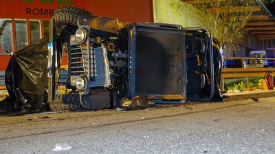 Der Unfall ereignete sich in einer Kurve in Fahrtrichtung Zell am Harmersbach.