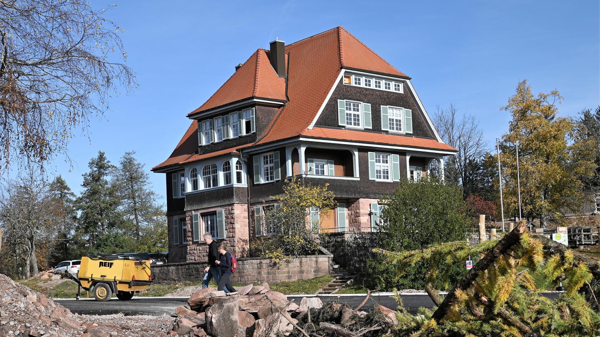 Die Villa Klumpp am Ruhestein wurde 1909 im Schweizerhaus-Stil erbaut. Bisher ist das Besucherzentrum des Nationalparks in diesem Baudenkmal untergebracht.