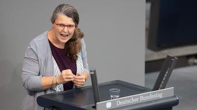 Ute Vogt (SPD) spricht in der Plenarsitzung im Deutschen Bundestag. Die Hauptthemen der 171. Sitzung der 19. Legislaturperiode sind die Verabschiedung des Kohleausstiegsgesetzes, eine aktuelle Stunde zu den Gewaltexzessen in Stuttgart, sowie Debatten über die Wahlrechtsreform, den Schutz elektronischer Patientendaten, die artgerechte Haltung von Nutztieren und den deutschen Vorsitz im UN-Sicherheitsrat. +++ dpa-Bildfunk +++