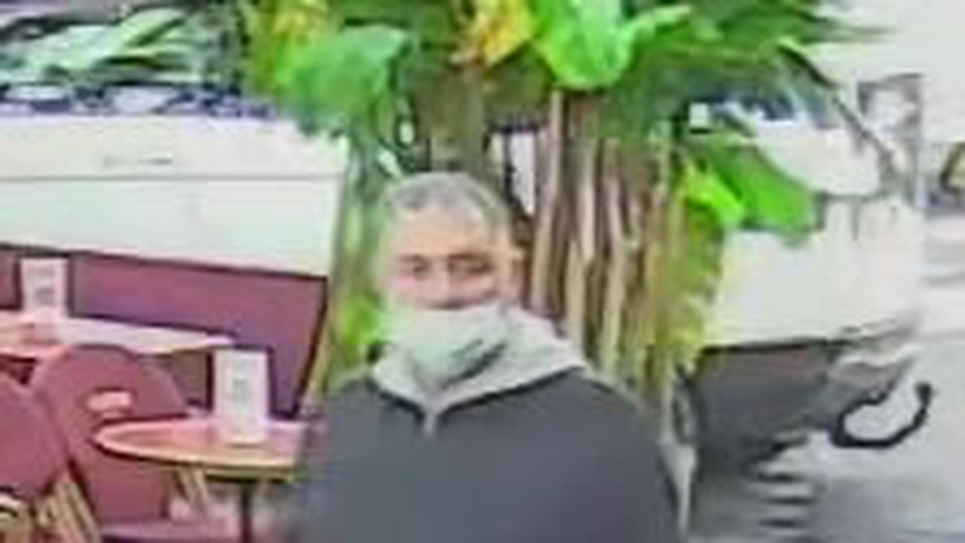 Wer kennt diesen Mann? Die Polizei sucht ihn im Zusammenhang mit einem mysteriösen Todesfall in Baden-Baden.