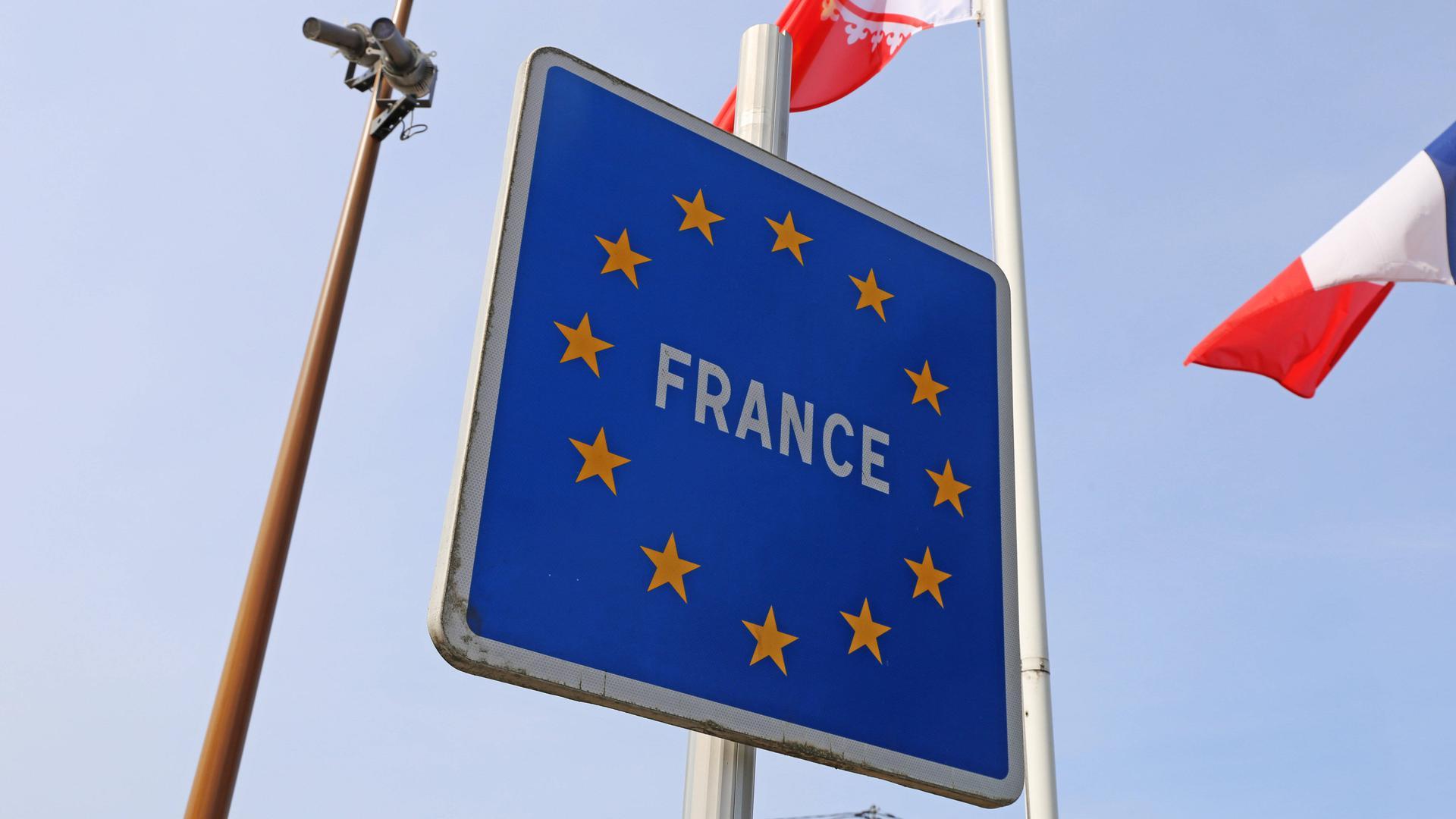 Einreise nach Frankreich: Von der Testpflicht befreit sind wie bisher schon Berufspendler und grenzüberschreitende Familien sowie die deutsche Bevölkerung des unmittelbaren Grenzgebiets.