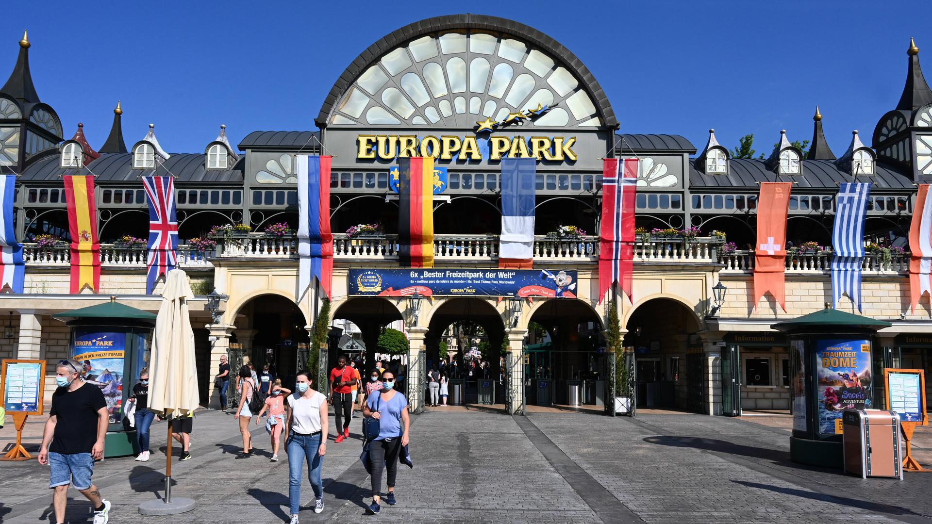 Bürger üben Kritik: Der Europa-Park in Rust ist ein bei Touristen beliebtes Ausflugsziel. In Plobsheim, südlich von Straßburg, regt sich nun aber Widerstand gegen Pläne, die dort unter anderem ein Multimedia-Studio vorsehen.