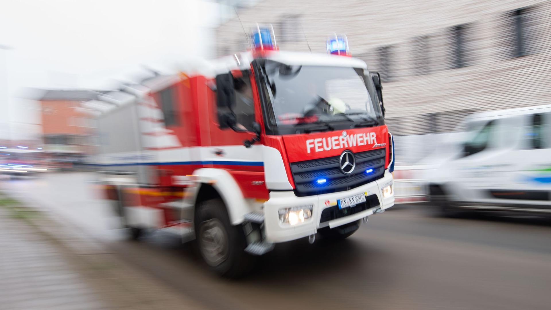 Eine hohe Belastung und Verantwortung für Menschenleben: Im Landkreis Karlsruhe stellen Kommunen besonders Anträge für neue und moderne Einsatzfahrzeuge der Feuerwehr.