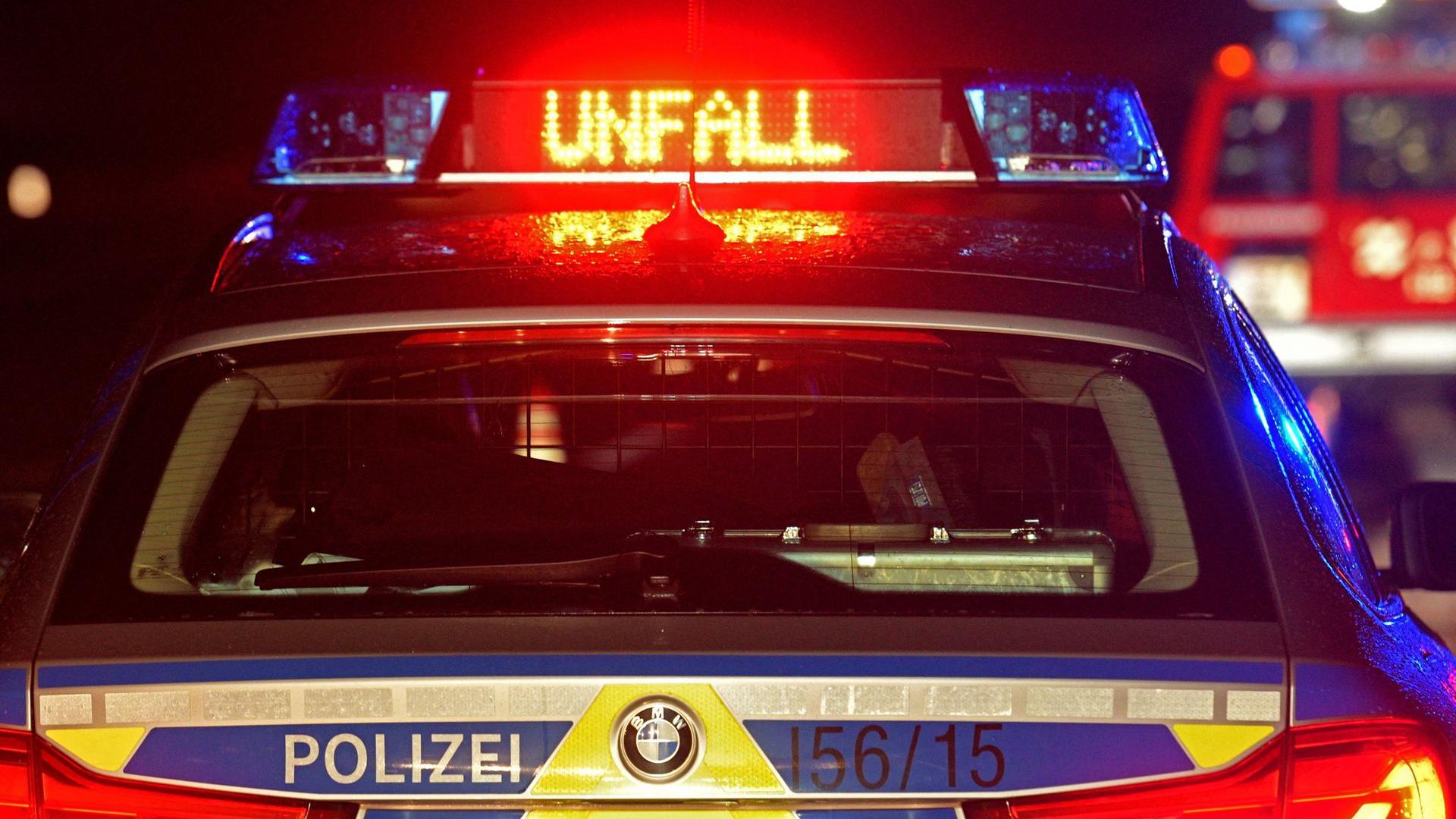Polizei Blaulicht bei Unfallaufnahme.