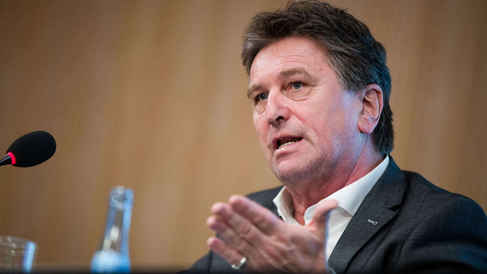 Manfred Lucha (Bündnis 90/Die Grünen), Minister für Soziales und Integration von Baden-Württemberg.