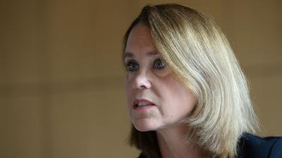 Kunststaatssekretärin Petra Olschowski (Die Grünen) spricht.