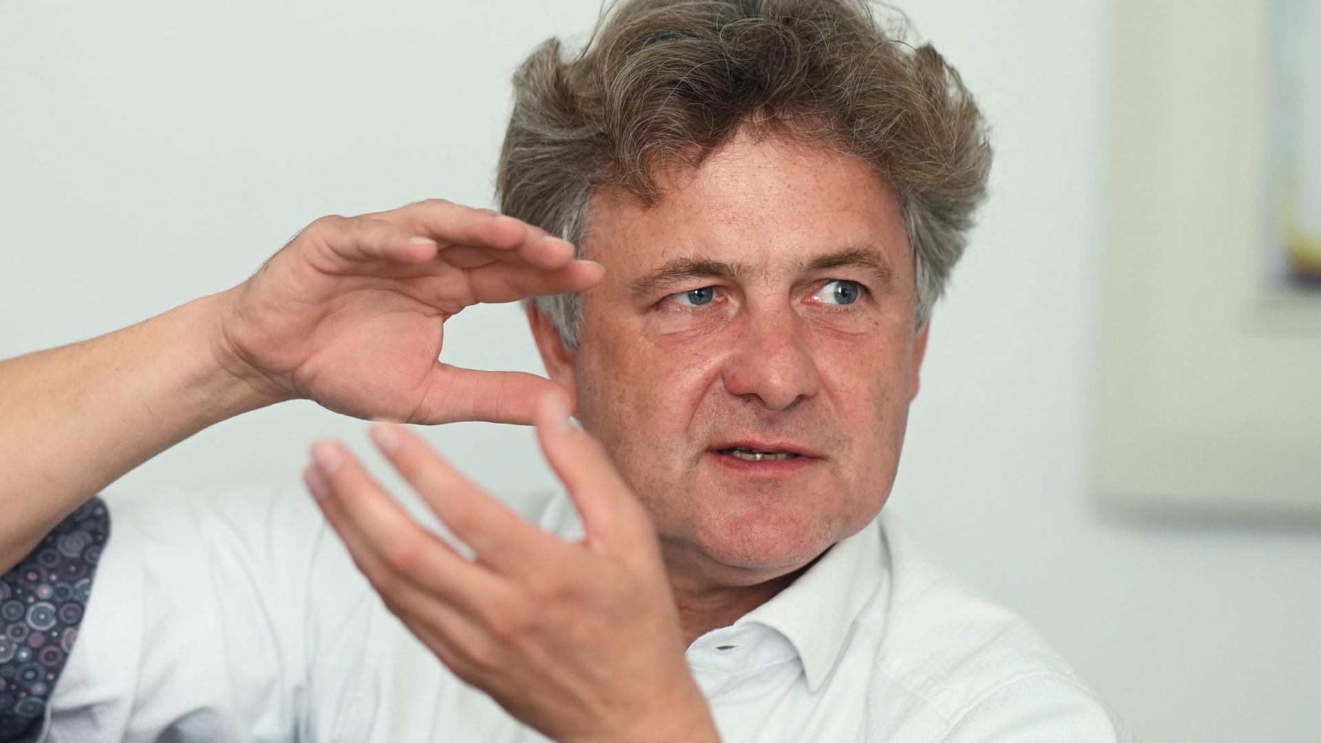 Frank Mentrup (SPD), Oberbürgermeister von Karlsruhe, spricht.