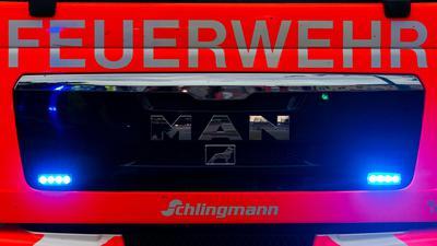 Ein Blick auf einen Einsatzwagen der Feuerwehr.
