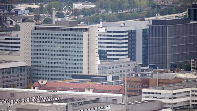Blick vom Württemberg auf das Mercedes-Benz Werk Untertürkheim.
