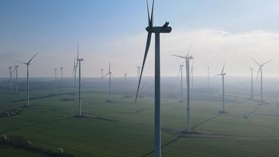 """Windenergieanlagen im Windpark """"Odervorland"""" im Landkreis Oder-Spree."""