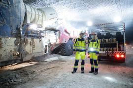 Baden-Württembergs Umweltministerin Walker bei ihrer Besichtigung des Salzbergwerks Heilbronn.