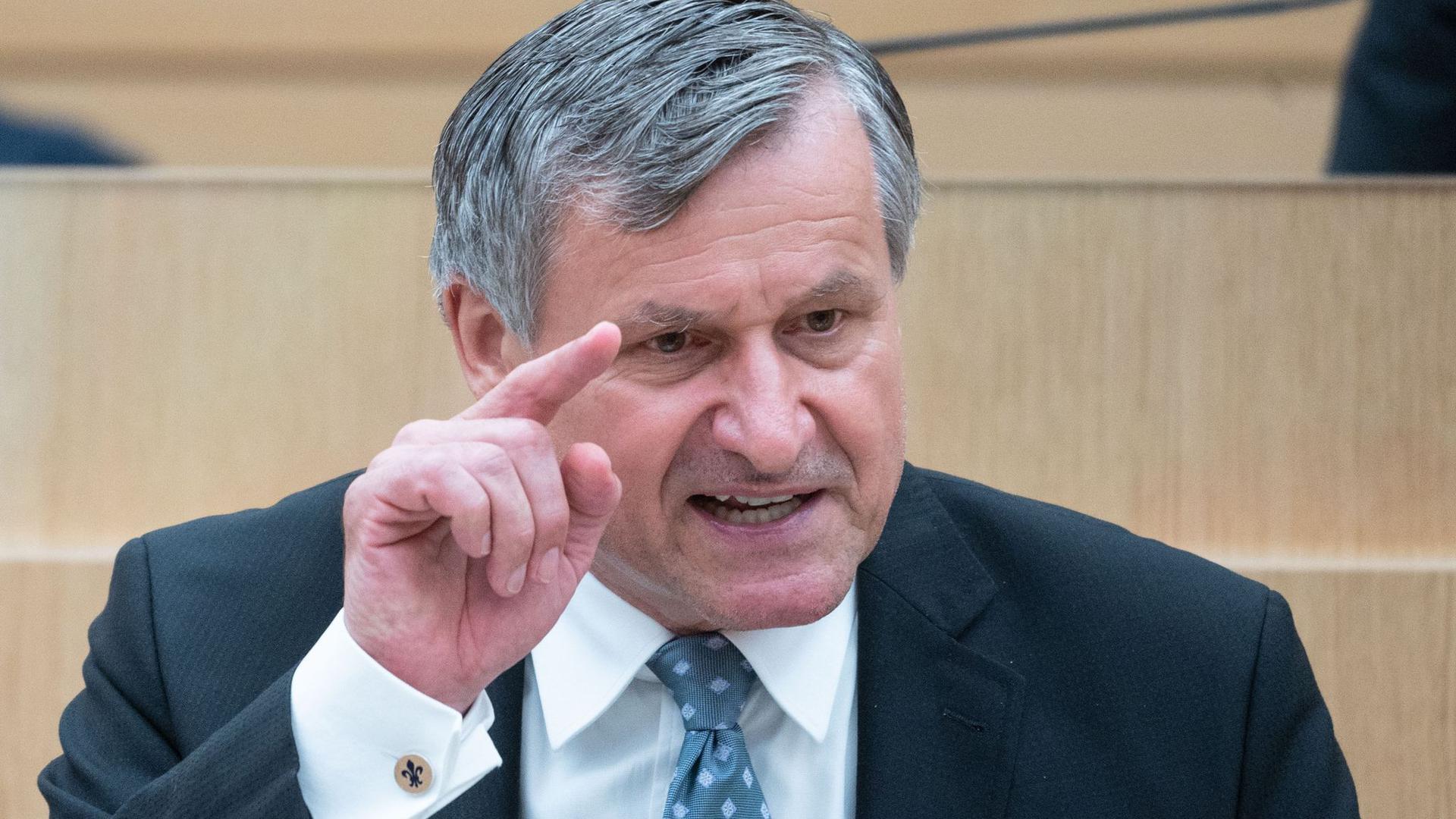 Hans-Ulrich Rülke (FDP), Vorsitzender der FDP-Fraktion im Landtag von Baden-Württemberg, spricht.