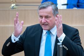Hans-Ulrich Rülke, FDP-Fraktionsvorsitzender im Landtag von Baden-Württemberg, spricht bei einer Debatte.