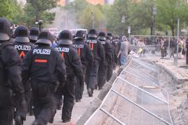 Polizeieinsatz in der Bundeshauptstadt. Die Diskussionen um das neue Berliner Antidiskriminierungsgesetz gehen weiter (Archiv- und Symbolfoto).