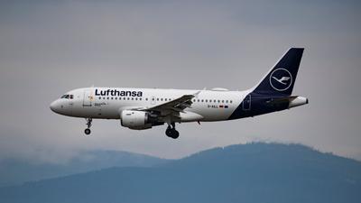 Das Rettungspaket für die Lufthansa soll Milliarden Euro umfassen.