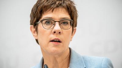 Die CDU-Bundesvorsitzende Annegret Kramp-Karrenbauer auf einer Pressekonferenz.