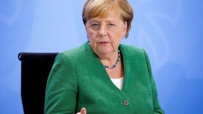 Rede und Antwort steht Kanzlerin Angela Merkel (CDU) heute bei ihrer traditionellen Sommerpressekonferenz.