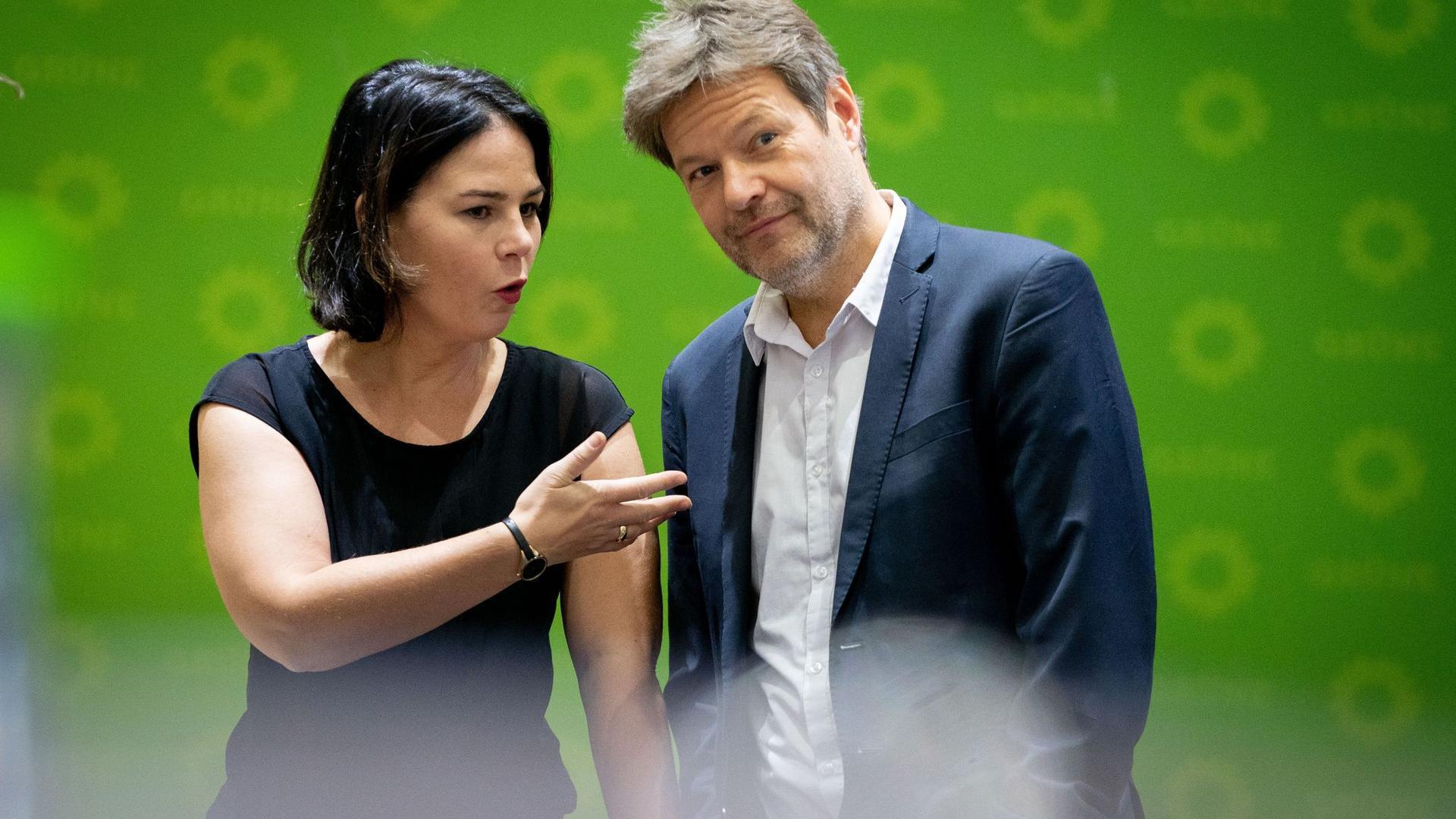 Die Bundesvorsitzende und der Bundesvorsitzende der Grünen, Annalena Baerbock und Robert Habeck.