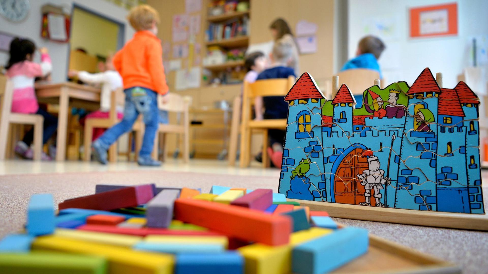 Abwägen zwischen Infektionsschutz und pädagogischem und sozialem Auftrag: Dürfen Eltern ihren Kinder auch bei leichten Erkältungssymptomen in Kita und Schule schicken?