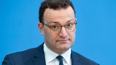 Gesundheitsminister Jens Spahn äußert sich zu den Verschärfungen staatlicher Corona-Beschränkungen.