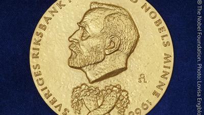 Der Wirtschaftsnobelpreis wird seit Ende der 1960er Jahre von der schwedischen Reichsbank gestiftet.