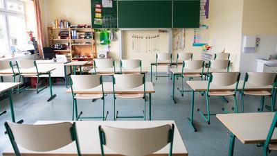 Klassenraum in einer Grundschule in Lemwerder.  Lehrer und Schüler sollen sich in den kommenden Monaten dick anziehen.