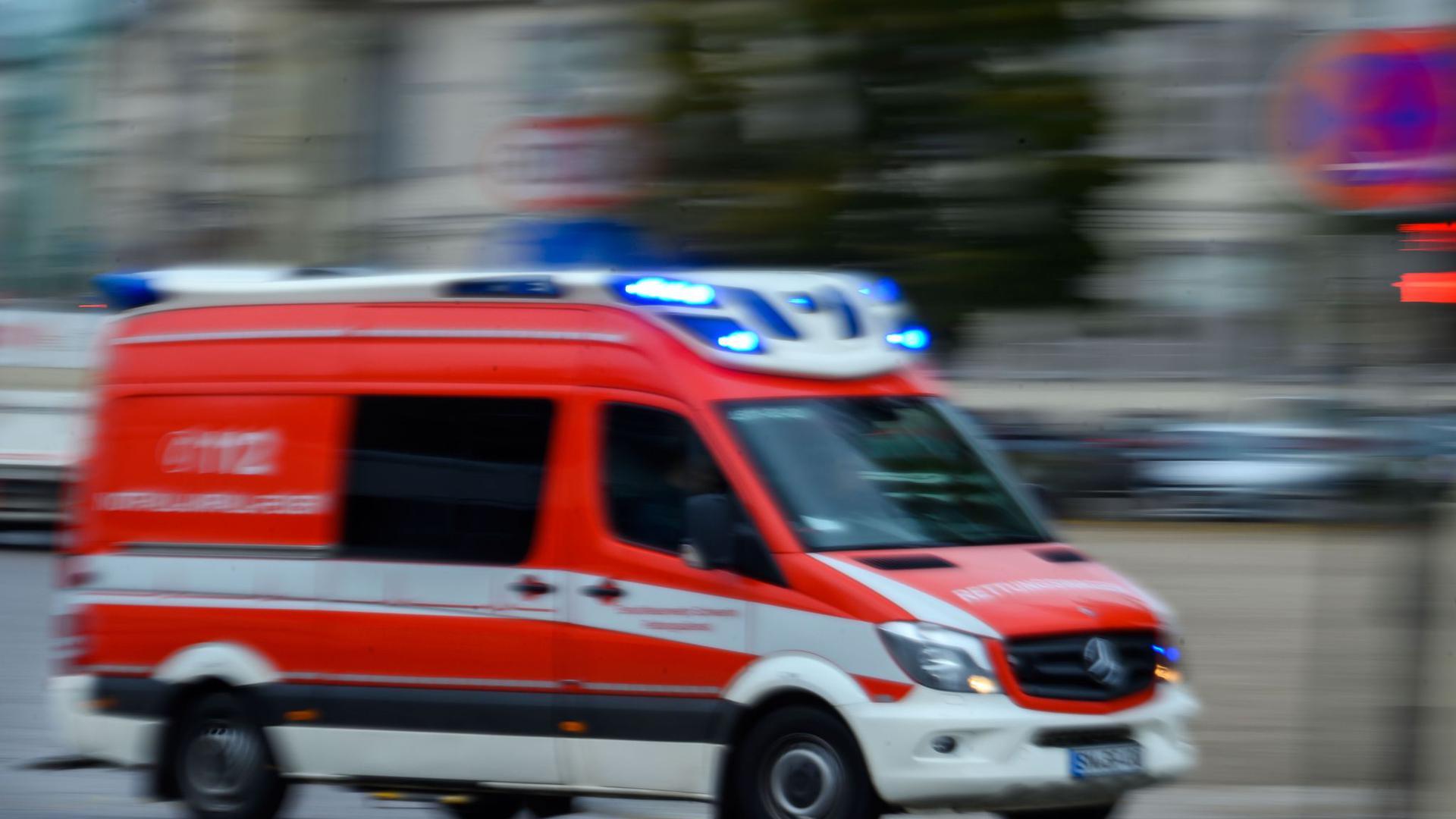 Vier Arbeiter sind bei dem Unfall in Denklingen getötet worden, ein weiterer wurde verletzt (Symbol).
