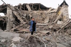 Ein zerstörtes Haus in Stepanakert in der umkämpften Region Berg-Karabach.
