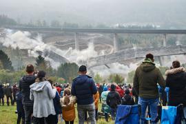 Die Talbrücke Eisern wog über 12.000 Tonnen.