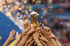 Der Deutsche Fußball-Bund bewirbt sich zusammen mit Belgien und den Niederlanden um die Ausrichtung der Frauen-WM 2027