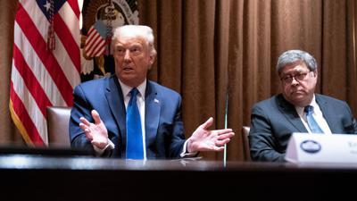 """""""Wir müssen den Justizminister dazu bringen zu handeln."""" US-Präsident Trump und Justizminister Barr (r) bei einem Treffen im September."""