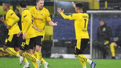 Jadon Sancho (r) und Erling Haland sorgten für den Dortmunder Sieg gegen St. Petersburg.