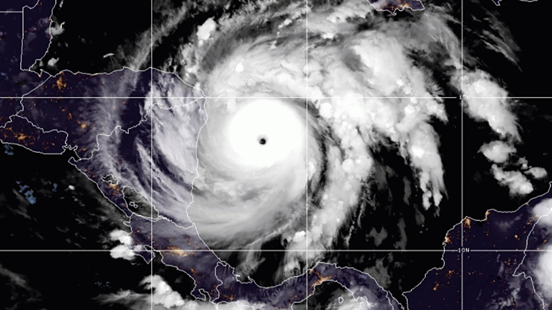 """Diese Satellitenaufnahme zeigt Tropensturm """"Iota"""" über dem Nordatlantik."""