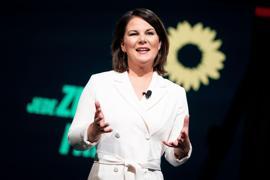 Annalena Baerbock hält beim digitalen Bundesparteitag der Grünen ihre politische Auftaktrede.