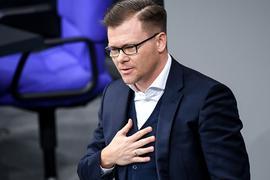 SPD-Politiker Carsten Schneider kritisiert die Grünen nach ihrem Bundesparteitag.