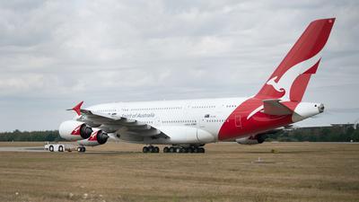Die Fluggesellschaft Qantas will eine Impfpflicht für ihre Passagiere einführen.