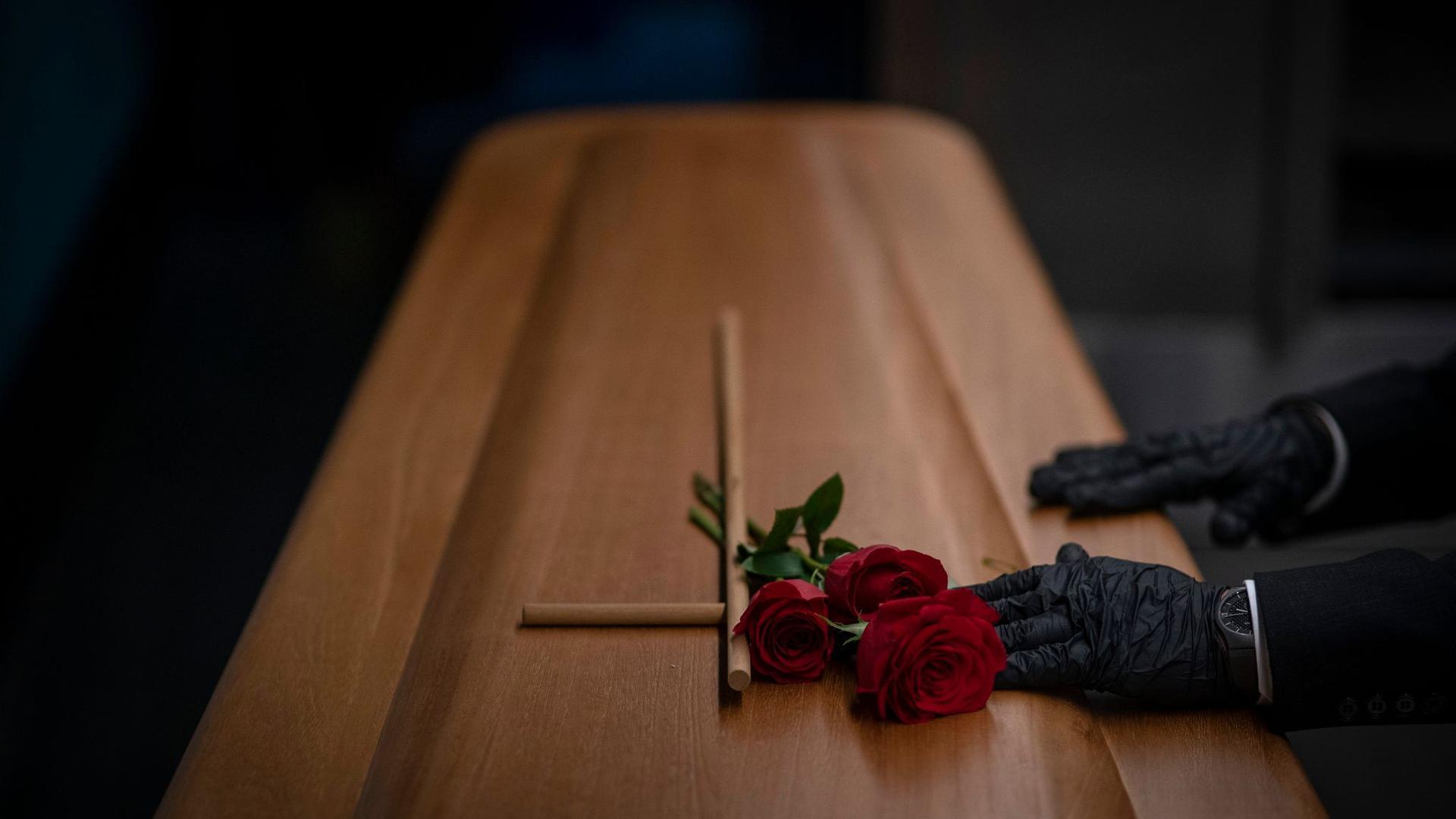 Neuer Höchstwert:410 Corona-Todesfälle sind dem RKIbinnen 24 Stunden gemeldet worden.