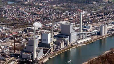Blick auf ein Kaftwerk in Mannheim. Die EU könnte zwei ihrer drei Klimaziele für 2020 erreichen.