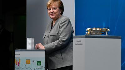 Bundeskanzlerin Angela Merkel beim Online-Digital-Gipfel der Bundesregierung im Kanzleramt.