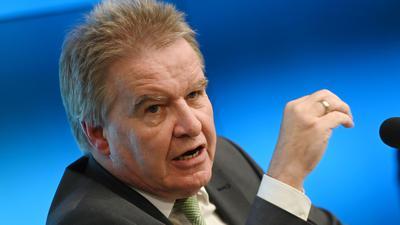 Baden-Württembergs Umweltminister Franz Untersteller wurde viel zu schnell auf Autobahn erwischt.