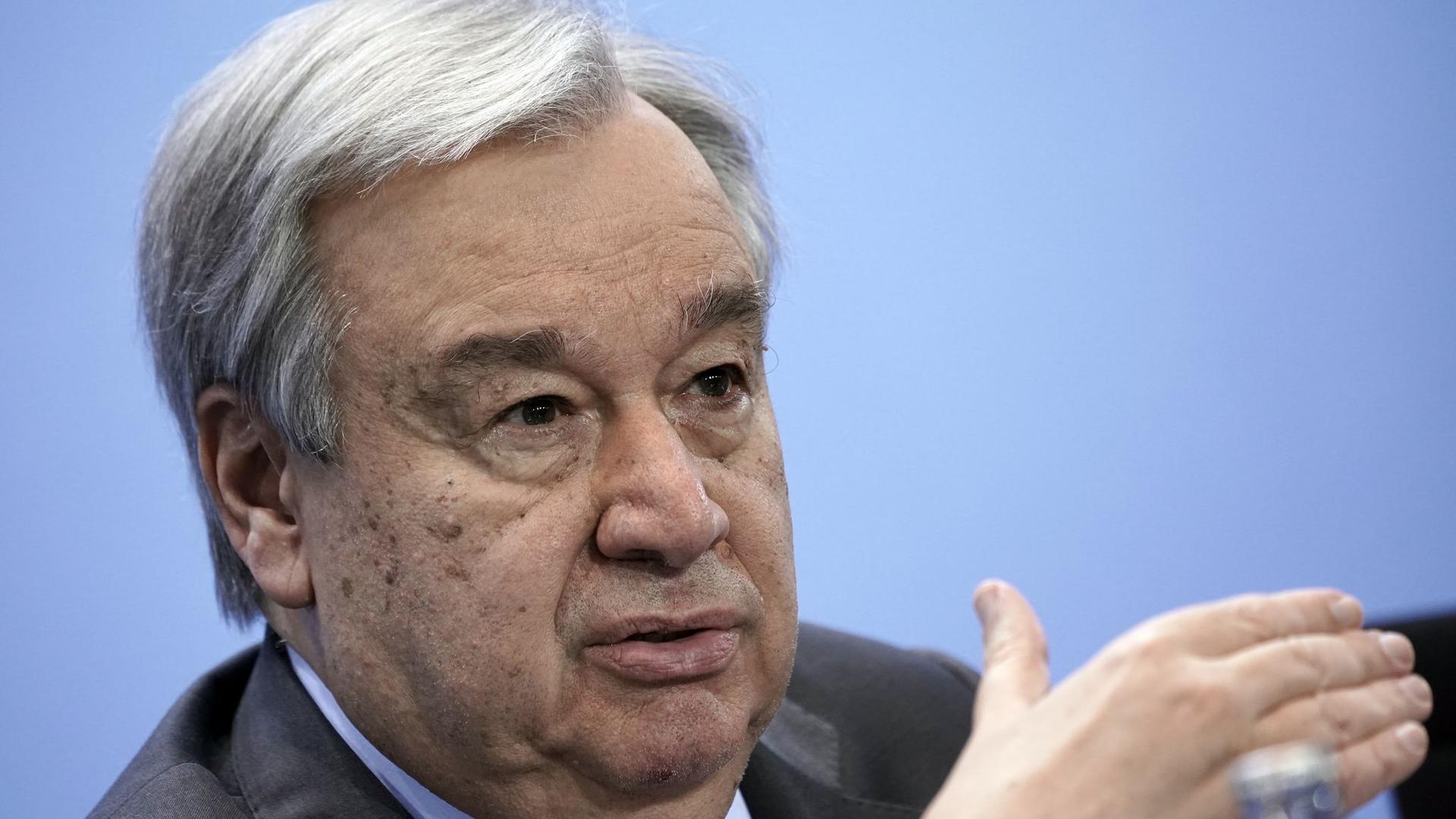 Antonio Guterres, Generalsekretär der Vereinten Nationen, spricht nach der Libyen-Konferenz.
