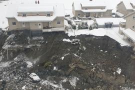 Der Erdrutsch in der Kommune Gjerdrum hat großen Schaden hinterlassen und zahlreiche Häuser zerstört.