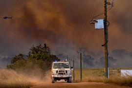 In Westaustralien sind bei einem neuerlichen Feuer bereits Tausende Hektar Buschland verbrannt.